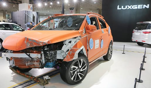 Luxgen-u5-Ev-plus-suv-Crash-test